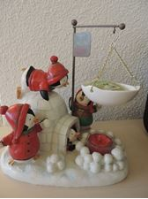 Picture of Playful Penguins  Tart Warmer